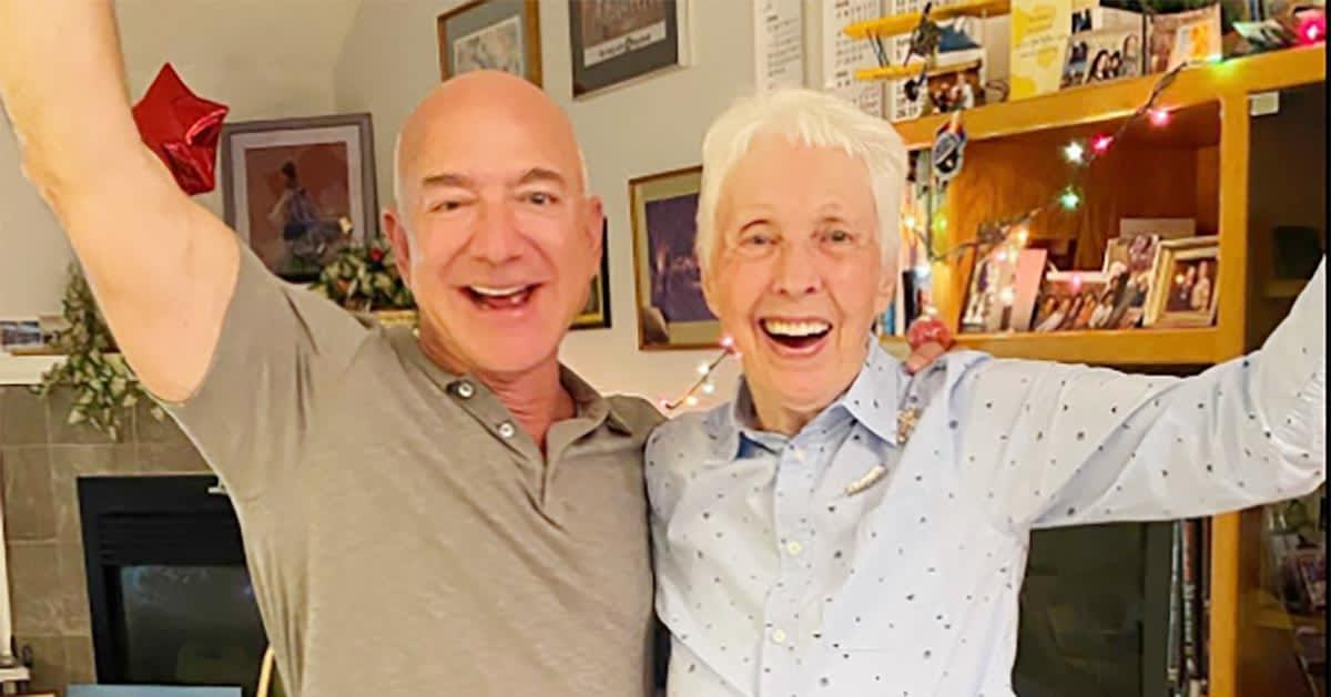 ६० वर्ष पहिले अन्तरिक्ष यात्राका लागि तालिम लिएकी ८२ वर्षीया वृद्धा जेफ बेजोससँग अन्तरिक्ष जाँदै